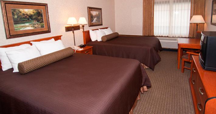 Best WEstern Kelly Inn Plymouth MN Hotel Room
