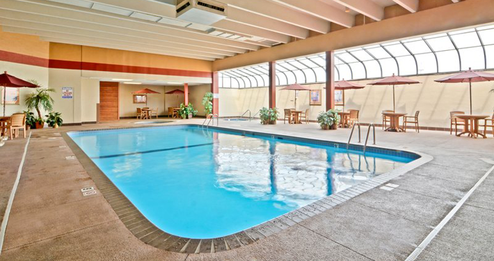 Pool Best Western Kelly Inn St. Paul